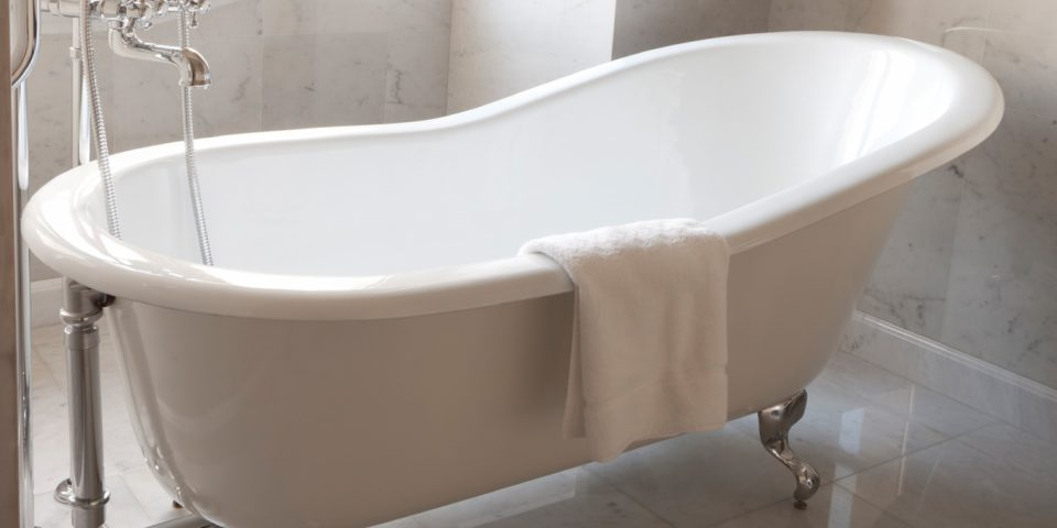 clawfoot bathtub refinishing refinish resurface