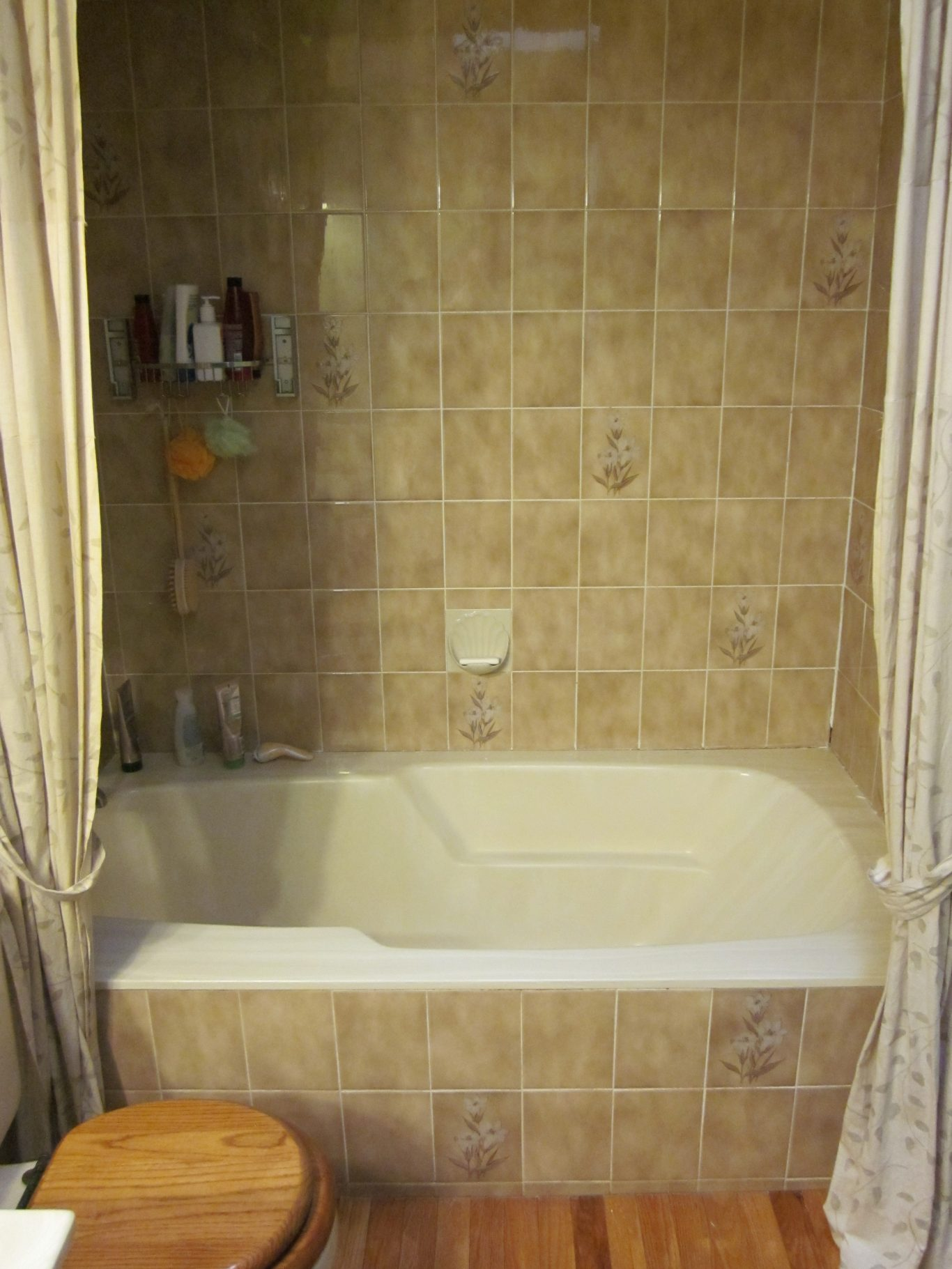 Before-Brown Stripes Bathtub Tile Surround