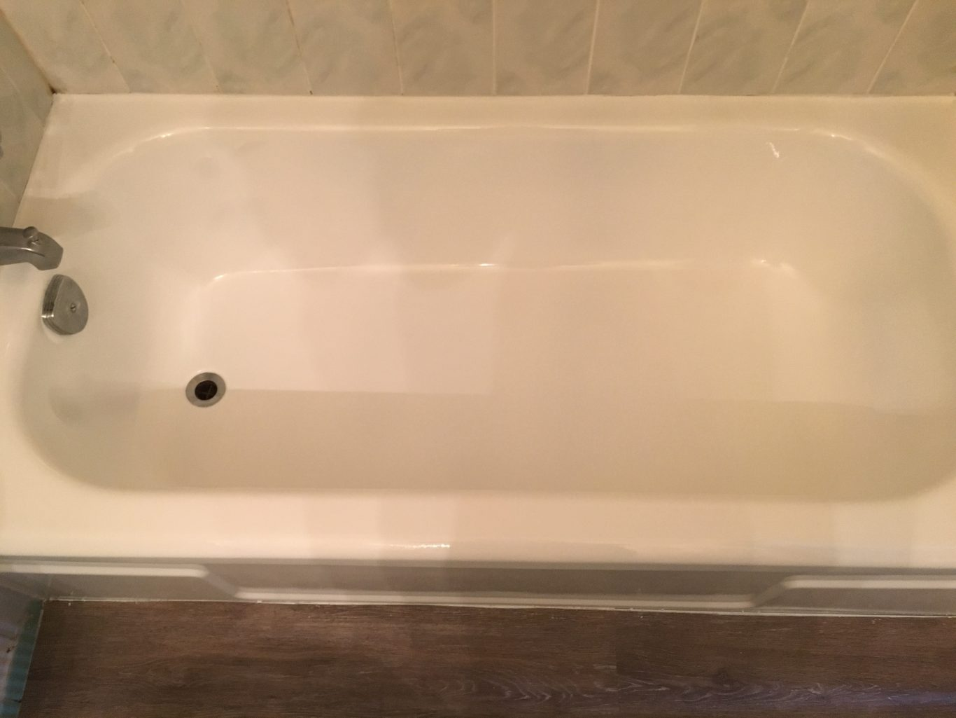 After-Peeling Bathtub